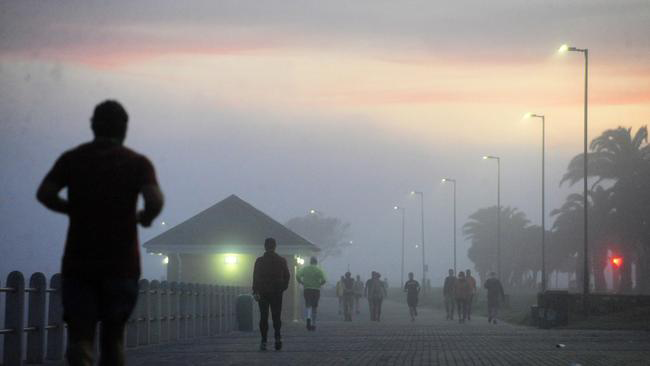 Sea Point residents took full advantage of new rules to exercise between 6 am and 9 am. Picture: Armand Hough/African News Agency (ANA)